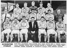 ACCRINGTON STANLEY FOOTBALL TEAM PHOTO>1957-58 SEASON