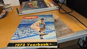 1972 Detroit Tigers Very Off Grade Baseball Yearbook