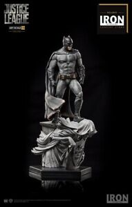 Iron Studios DC Comics Batman Justice League  Art Scale 1/10 Statue