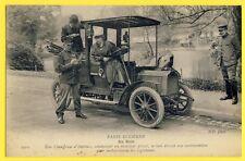 cpa France PARIS FEMME Chauffeuse de TAXI Parisiens AGENT PV Voiture Automobile
