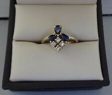 DELICATE 14K YELLOW GOLD .72 TCW 3 STONE SAPPHIRE RING W/ DIAMONDS - 2.6 GRAMS