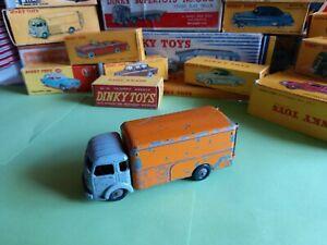 dinky toys Simca Cargo Ref/ 33 A