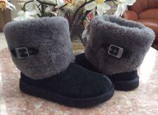 UGG Australia Ellee Youth Black Genuine Fur Suede Winter Size 4 Boot #1001672