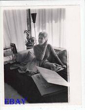 Kim Novak in apartment VINTAGE Photo candid