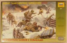 Zvezda 1/35 Soviet Tank Hunters W Dogs WWII Figure Model Kit 3611