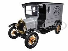1925 FORD MODEL T PADDY WAGON SILVER 1:24 DIECAST MODEL CAR BY MOTORMAX 79329