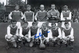 *LOW PRICE* HAND SIGNED ARSENAL 12x8 PHOTO 1964 : GEORGE EASTHAM