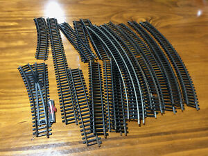 Hornby OO/HO scale model railway track - 17 pieces including point - pre-owned