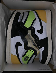 "Air Jordan Retro 1 High OG ""Volt"" 555088-188 - Mens 13 *100% AUTHENTIC* (NEW)"
