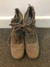 Clarks Narrative Ladies Boots Size UK 6 D / EUR 39.5