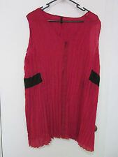 RED CRINKLE, LIGHT WEIGHT TOP BY T.S. SIZE 18