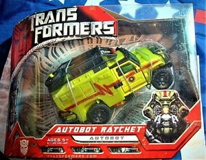 Transformers AUTOBOT RATCHET Automorph Voyager Class Hasbro Factory Sealed 2007
