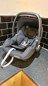 Maxi-Cosi Tinca, i-Size Baby Car Seat - ESSENTIAL BLACK EX DEMO