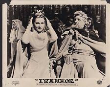 Joan Fontaine Robert Douglas in Ivanhoe 1952 vintage movie photo 25202
