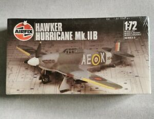 Maquette avion HAWKER HURRICANE Mk. II B au 1/72 - AIRFIX 1984 NEUF