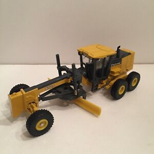 John Deere 872D Grader ERTL First Production - Preowned No Packaging       CBC
