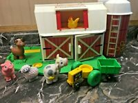 Vintage Fisher Price Farm #2555 Little People Barn & Silo & Animals 1990