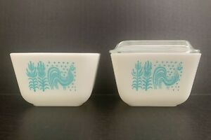 Lot Of 2 Vintage Pyrex Amish Butterprint 501-B Refrigerator Dishes w 1 Glass Lid