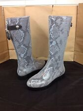TSUBO EILIS SNAKE CHARCOAL GRAY WATER RESISTANT SUEDE BOOTS SIZE 7 US