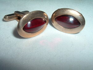 VINTAGE HICKOK RUBY GLASS STONE POLISHED GOLDTONE CUFFLINKS IN GIFT BOX