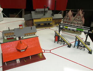 HO Scale Model Railroad Train Layout Buildings, Houses and Structures