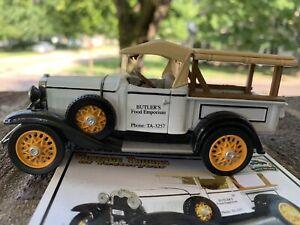 Vintage Truck Of Yesteryear 1/32  1932 Chevrolet Roadster  Pickup Diecast & Card