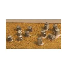 Dustbins- 6 large, 6 small (N scale) - Unpainted - Langley A14