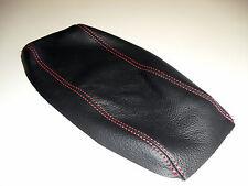 Rivestimento su misura bracciolo Alfa Romeo 147 in vera pelle nera filo rosso