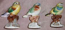 2 oiseaux miniatures porcelaine polychrome + 1 offert - Objet de vitrine vintage