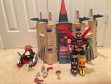 1 Voltron Castle Of Lions, 1 Voltron Lion, And Other Items As Seen
