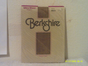 NEW LADY'S BERKSHIRE ULTRA SHEER  PANTYHOSE in a STONE COLOR
