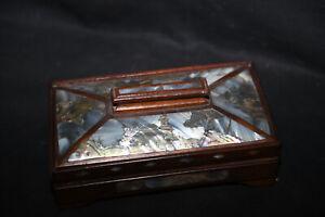 Tres belle et ancienne boite incrustation de nacre Indochine