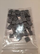 LEGO 3068b Light Bluish Gray Tile 2 x 2 with Groove 100 PIECES NEUVES