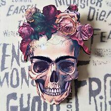 Gótico Emo Kitsch Frieda Kahlo Flor Rosas Esqueleto Calavera Broche De Madera 60mm