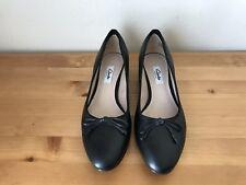 Excellent Clark Narrative black bow Classic pumps shoes sz 8
