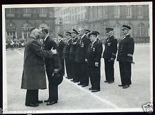 Nancy . Armée . Marine Française . remise de décorations . photo de 1950