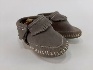 Minnetonka Infants Riley Booties Gray Size 5 Suede Leather Moccasins