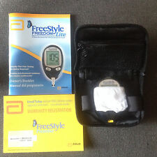 ABBOTT FREESTYLE FREEDOM LITE BLOOD GLUCOSE MONITOR METER & CASE