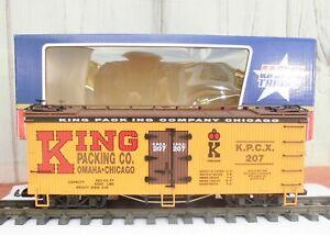 USA TRAIN (R-16142)  BRAND NEW - NEVER USED - BILLBOARD REEFER (SMOKIN' DEAL!!)