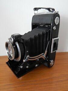 Vintage Zeiss Ikon Nettar  Folding camera with case  # 7769/2 / 1769/2