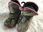 NEW Mossy Oak Camouflage Slippers Booties Pink Sherpa Womens 9-10 EUR 40.5-42
