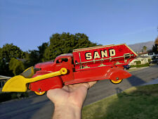 MARX SAND AND GRAVEL DUMP TRUCK WITH SCOOP LOADER PRESSED STEEL TOY VERY NICE