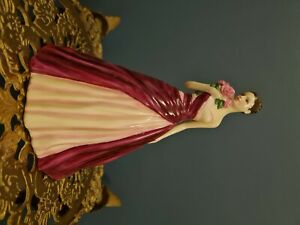 Stunning Royal Doulton Ladies 'Ocassions' Figure 'With Love' HN5335!