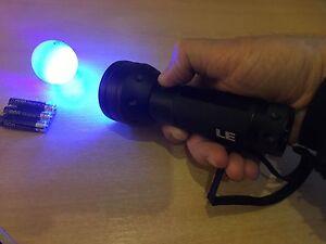 Xmas Golf Stocking Filler  Uv Torch Find Golf Balls In The Dark - FREE BATTERIES