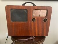 Antique Vintage Portable Wood Battery Electric Airline Music Tube Radio, Working