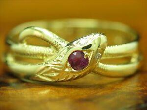 14kt 585 Gelbgold Schlangen Ring mit Diamant & 0,10ct Rubin Besatz / 2,4g  RG 51