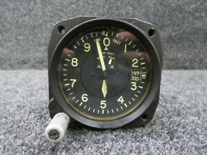 671BU-010 Kollsman Type C-12 Altimeter