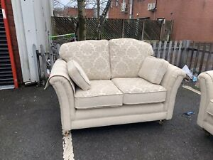 💛 Cream Fabric 3 + 2 Seater 💛Pattern Or Stripe 💛 Traditional Style + Covers