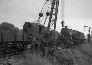 PHOTO  2 OF 11 GWR LOCO 6963 THROWLEY HALL DE-RAILMENT AT ABERGAVENNY LOOP C.195
