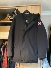 canada goose chateau parka, 100% genuine. Navy great used condition, no issues.
